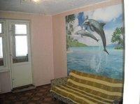 Большая комната в общежитии с мебелью